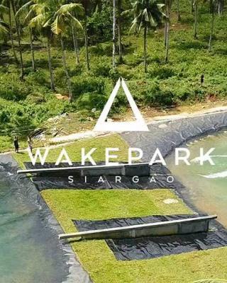 Siargao-Wakepark-tom-soupart