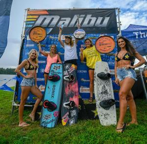 girls-podiumMALIBU-FACTORY-SMOKY-MOUNTAIN-PRO