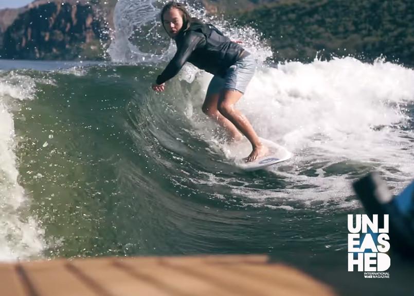 wakesurfing-kasey-smith