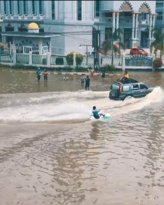 WAKEBOARDING-FLOODS