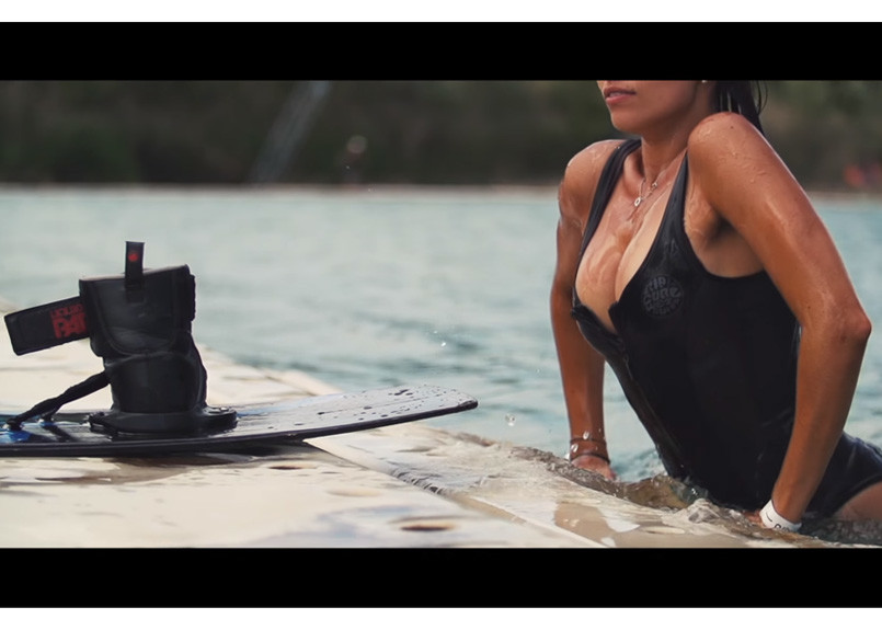 wakeboarder-style-girl